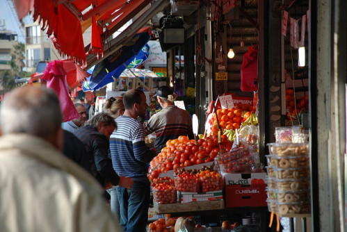 Market, Tel Aviv [Photo: Ministry of Foreign Affairs via the PikiWiki - Israel free image collection project]